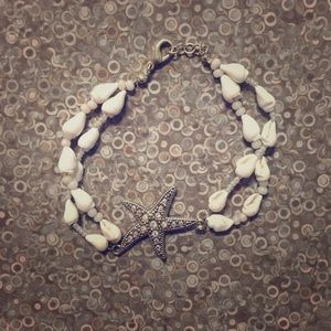 Jewelry - New Diamond star with sea shells
